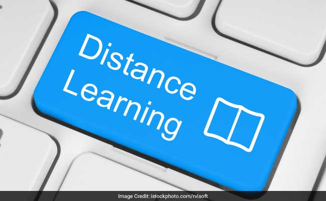 characteristics of distance education