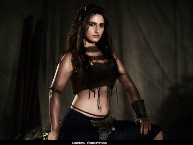 Viral: Is This Fatima Sana Shaikh's Look For Aamir Khan's Thugs Of Hindostan?