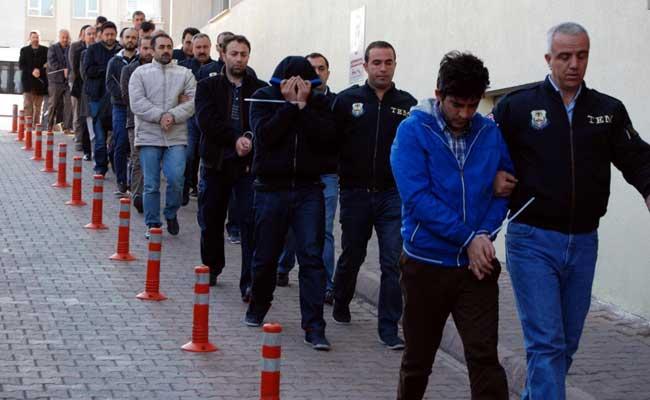 Turkey Detains 1,000 In New Anti-Gulen Crackdown
