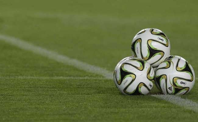 अर्जेटीना : बम की धमकी से दो घंटे रुका फुटबॉल मैच, खाली कराया गया स्टेडियम