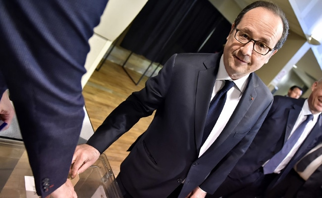 Francois Hollande 'Will Vote Emmanuel Macron', Calls Marine Le Pen 'Risk' For France