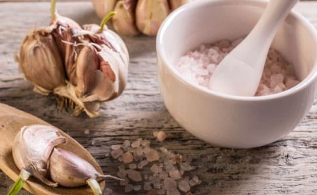 How To Peel Garlic: Easy Tips And Tricks To Peel Garlic Without Fuss
