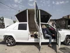 Gaza Wedding Planners Create Own Limo From 5 Different Cars