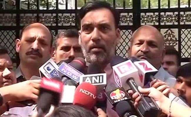 20 विधायक मामला:  AAP ने कहा, चुनाव से डर नहीं लगता, लेकिन हमारे साथ यह दोहरा मापदंड क्यों?