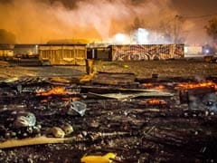 Huge Fire Destroys France's Grande-Synthe Migrant Camp