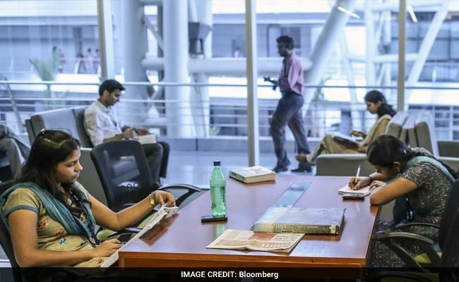 सात भारतीय कंपनियों को 2016 में कम एच-1बी वीजा मिले