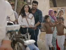 <i>Half Girlfriend</i> Song <i>Phir Bhi Tumko Chahunga</i>: Arjun Kapoor Can't Get Over Shraddha Kapoor