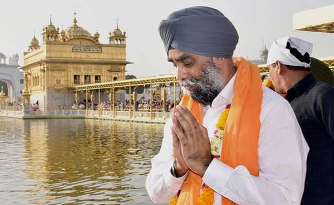 Canada Defence Minister Harjit Sajjan Pays Obeisance At Golden Temple