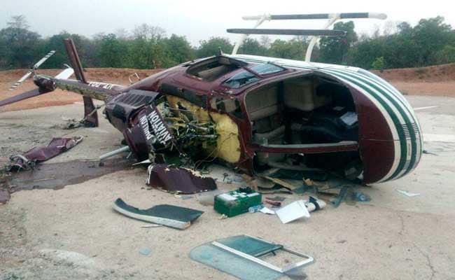 क्रैश लैंडिंग में घायल हुए तटरक्षक हेलीकॉप्टर पायलट की मौत