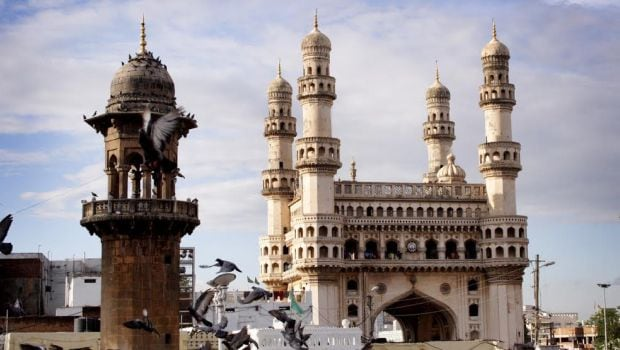 4 Restaurants in Hyderabad You Must Visit to Enjoy the Local Cuisine
