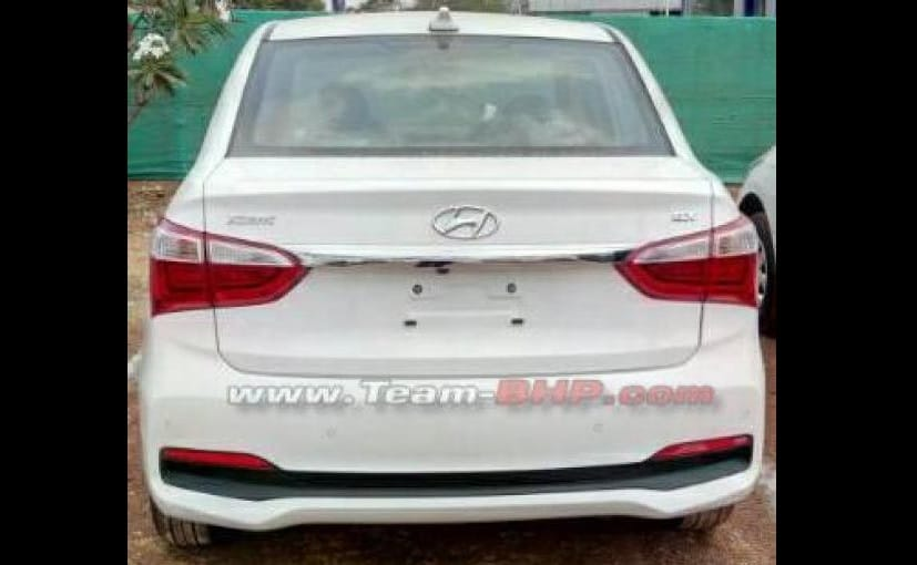 hyundai xcent facelift spied