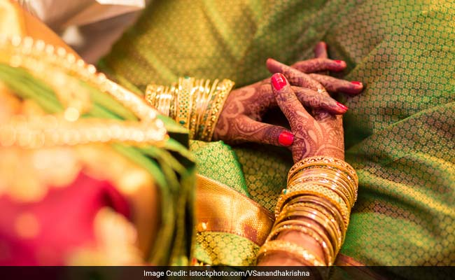 UP Newly-Wed Drugs Her In-Laws, Runs Away With Money And Jewellery