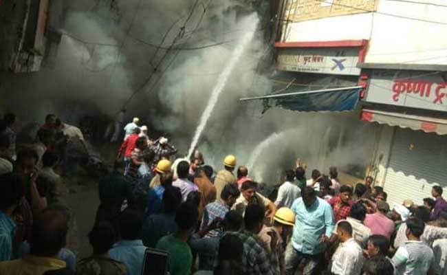 इंदौर में पटाखों की दुकान में लगी भीषण आग ने लील लीं 5 जिंदगियां