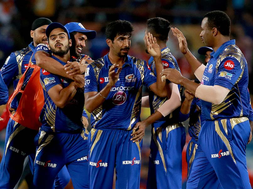 IPL 2017: Jasprit Bumrah Wins It For Mumbai Indians Against Gujarat Lions in Thrilling Super Over