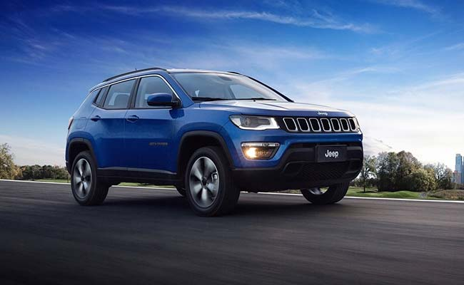 jeep compass unveiled in india specs pictures and expected price ndtv carandbike. Black Bedroom Furniture Sets. Home Design Ideas