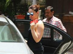 प्रेग्नेंसी वेट घटाने के लिए जमकर मेहनत कर रही हैं करीना कपूर खान, देखें तस्वीरें