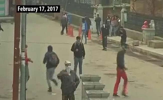 As Unrest Continues, Policemen In Kashmir Caught In Crossfire
