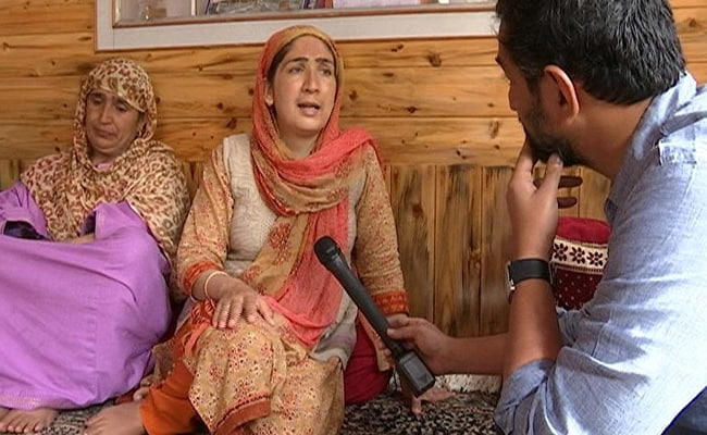 Encounters, Streamed Live: Inside The Dangers Of Kashmir's Social Media Wars