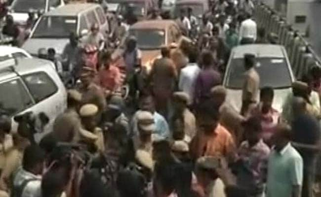 DMK-led parties' meet give TN bandh call over farm issues