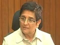 Kiran Bedi Accuses Puducherry Chief Minister V Narayanasamy Of 'Threatening' Her