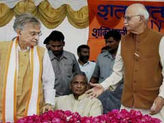 LK Advani Meets Murli Manohar Joshi After Supreme Court Setback