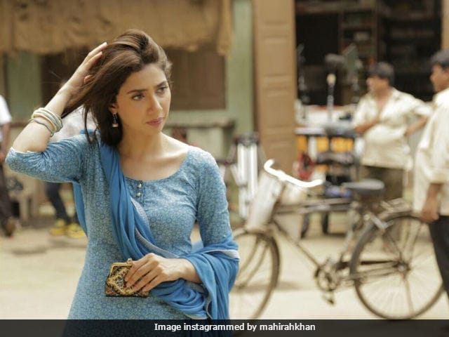 Mahira Khan Shares Throwback Pic From Sets Of Raees