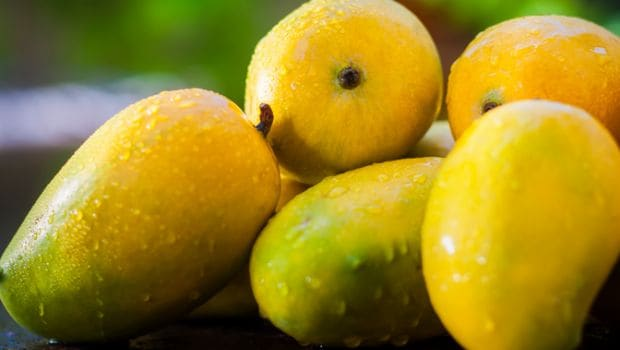 Is It Safe For Diabetics To Eat Mangoes Experts Reveal Ndtv Food