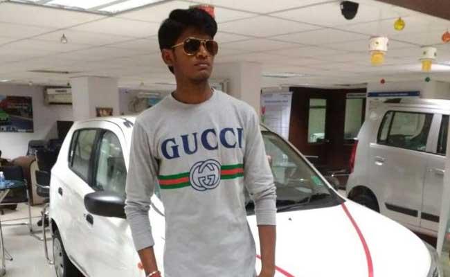 नवी मुंबई में मारुति सुजुकी शोरूम में आग- 20 गाड़ियां जलीं, दो लोगों की मौत
