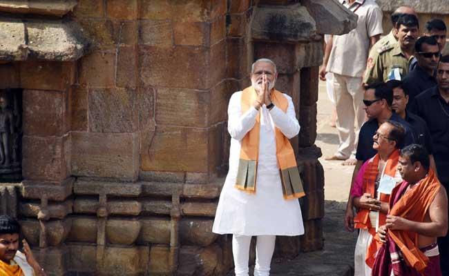 गुजरात चुनाव प्रचार का अंतिम दिन आज, रोड शो कैंसिल होने पर पीएम मोदी सी प्लेन से जाएंगे अंबाजी मंदिर