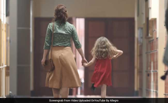 mother daughter ad