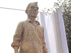 Mumbai Pays Tribute To <i>Dabbawalas</i> With A Glittering Statue