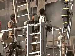नोएडा में LED बल्ब बनाने वाली फैक्टरी में भीषण आग, 6 शव बरामद