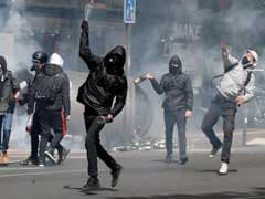 French Elections Polarises Society, Riot Like Situation On Paris Streets