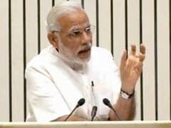 जब देश की 'लालफीताशाही' पर जमकर बरसे प्रधानमंत्री नरेंद्र मोदी...