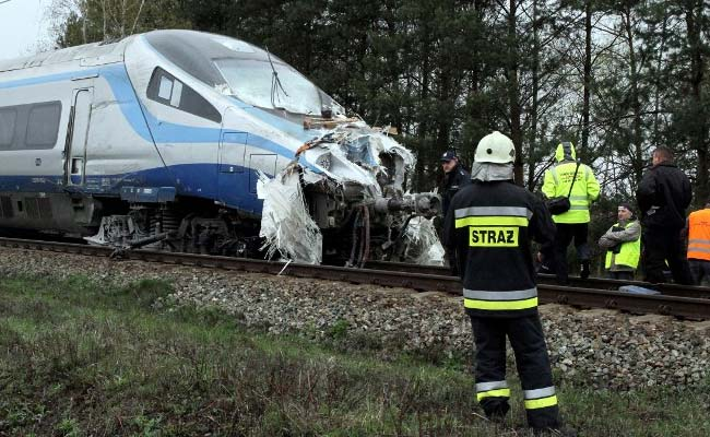 18 Hurt After Train Crashes Into Lorry In Poland