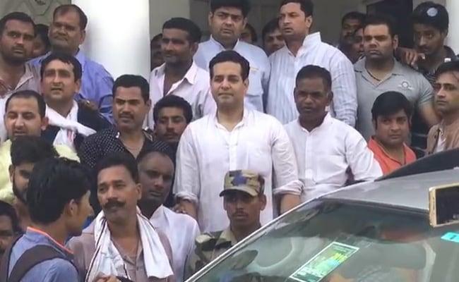 सहारनपुर मामला : बीजेपी सांसद ने कहा- एसएसपी नालायक है, उसे हटवा दूंगा