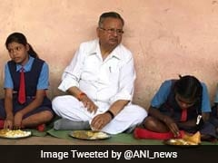 Chhattisgarh Chief Minister Raman Singh Shares Mid-Day Meal With Students