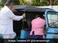 सरकारी काफिला छोड़कर लेडीज ऑटो में जा बैठे सीएम रमन सिंह, जानें इसके पीछे का माजरा