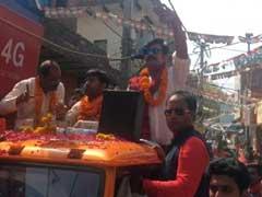 MCD चुनाव : प्रचार के लिए मैदान में उतरे फिल्मी सितारे, रविकिशन ने बीजेपी के लिए मांगे वोट
