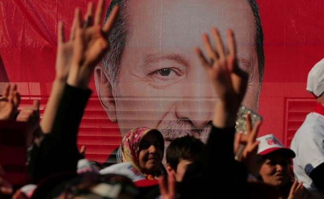 Turkish President Recep Tayyip Erdogan Celebrates Referendum Win, Rivals Urge Recount