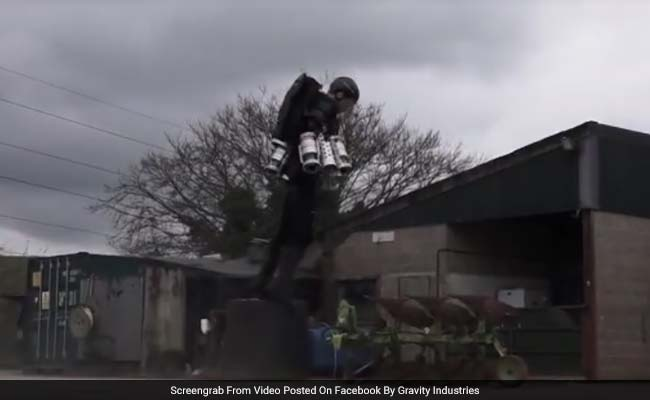 Watch How This Man Flies Away In His Suit...'Iron Man' Style
