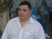 After Vinod Khanna's Funeral, Rishi Kapoor Rails Against 'Today's So-Called Stars' For Not Attending