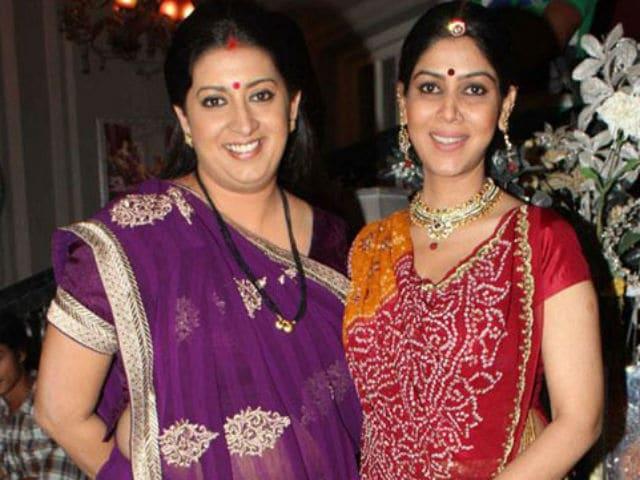 Kahaani Reunion Ki: Smriti Irani, Sakshi Tanwar Took A Selfie With Ekta Kapoor