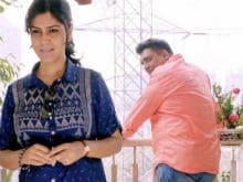 <I>Karle Tu Bhi Mohabbat</i> Trailer: Sakshi Tanwar, Ram Kapoor's New Web Series Delights Twitter