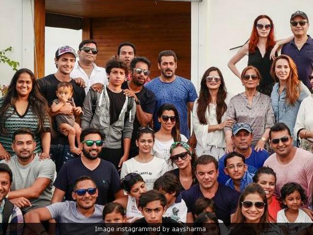 Salman Khan Family Photo Latest Salman Khan Family Photo News