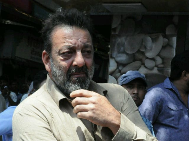 'Bhoomi' Is Wrapped Up! Sanjay Dutt Feels Emotional On Movie's Completion