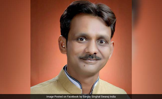 MCD Polls 2017: Swaraj India Candidate Claims To Be Beaten Up By Congress Workers