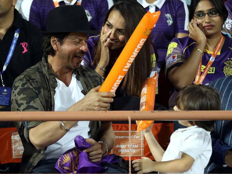 shah rukh khan and abram cheer for kkr bcci
