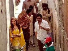 Shah Rukh Khan, Anushka Sharma Spotted Filming In Punjab. Pics Here