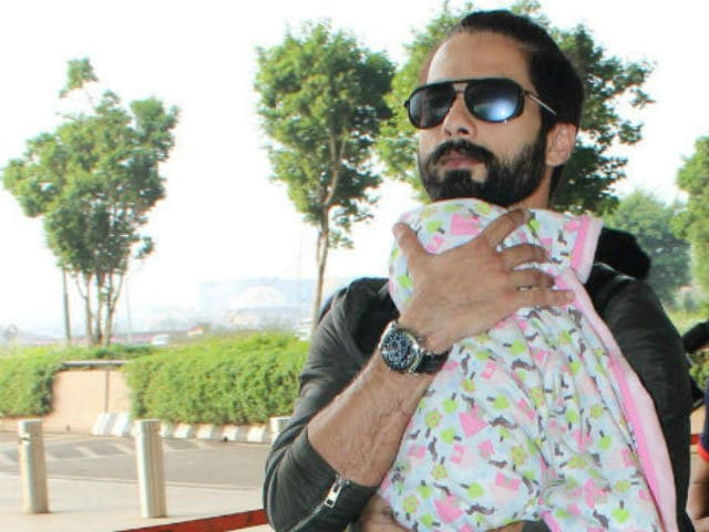 Shahid Kapoor's daughter bonds with grandparents!